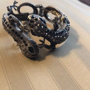 Jewelry - Gecko bangle